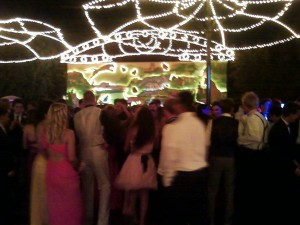 Students wrap up the year with prom at SD ZOO